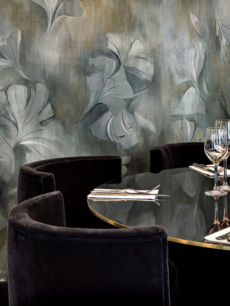 Tables restaurant Matilda Friedmann & Versace