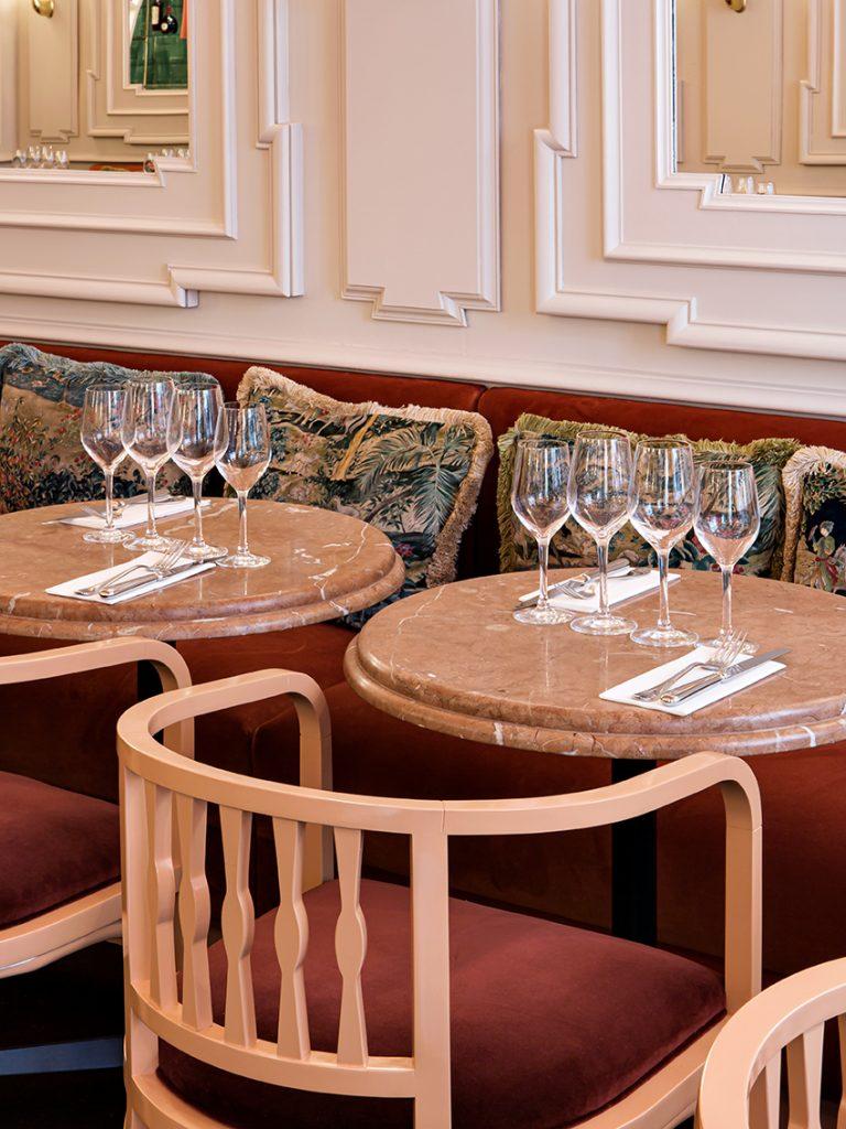 Tables restaurant Ferona Friedmann & Versace